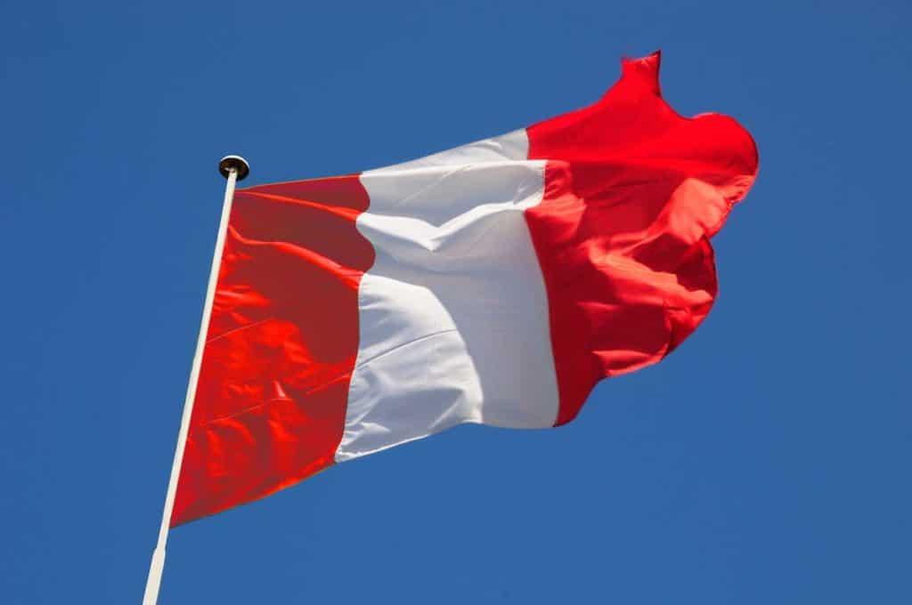 bandera del peru historia