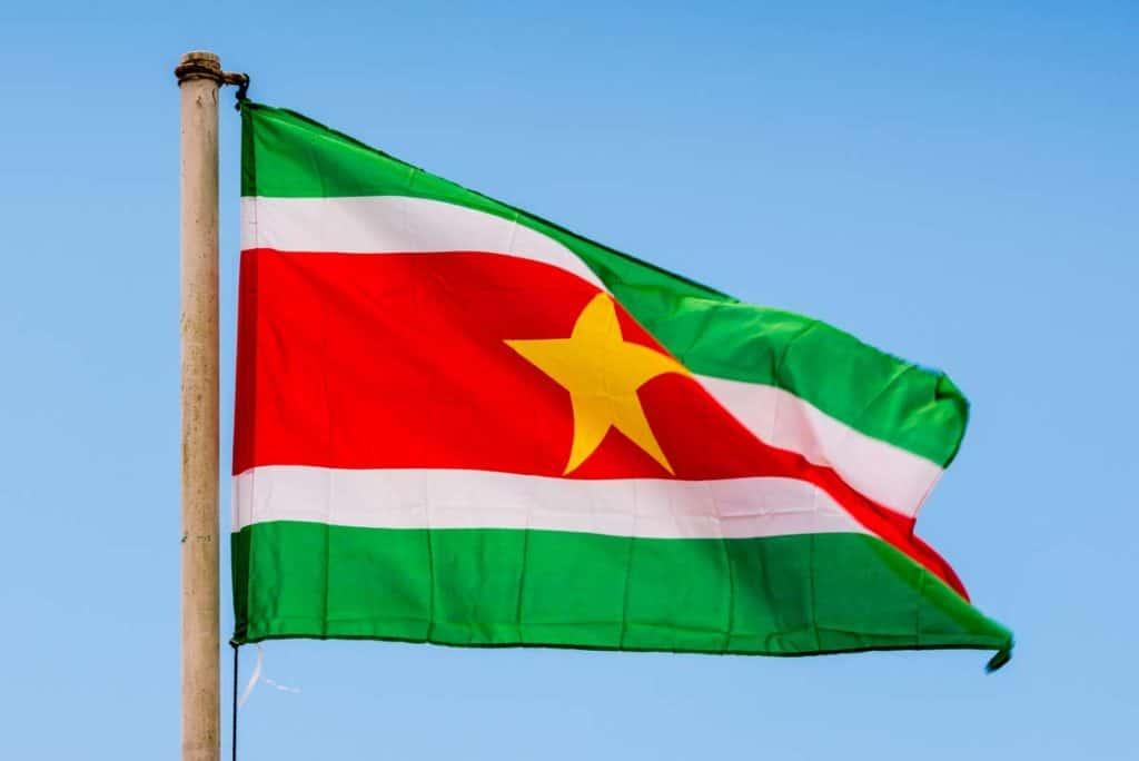 bandera de surinam actual