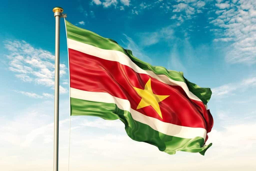 significado bandera de surinam